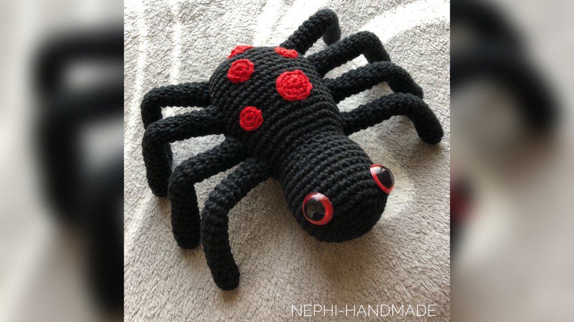 Spinne Thea Halloween Häkelanleitung